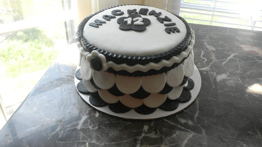 6 Inch Black And White Cake on Cake Central