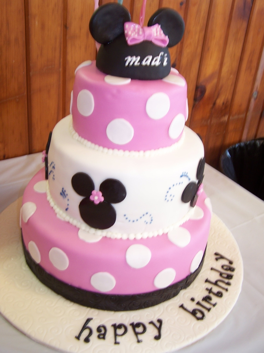 Minni Cake on Cake Central