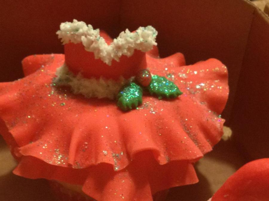 Mrs Claus Christmas Dress D on Cake Central