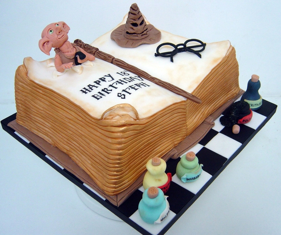 Harry Potter 18Th Birthday Cake CakeCentralcom
