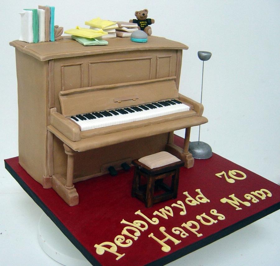 Cake Decorating Ideas Piano : Upright Piano Cake - CakeCentral.com