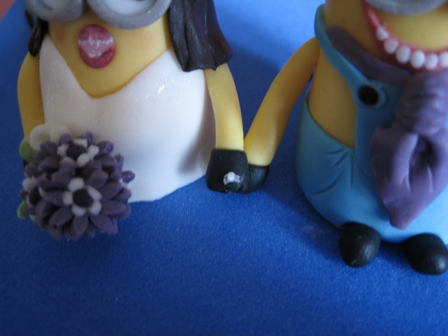 Minion Bride And Groom Cake Topper
