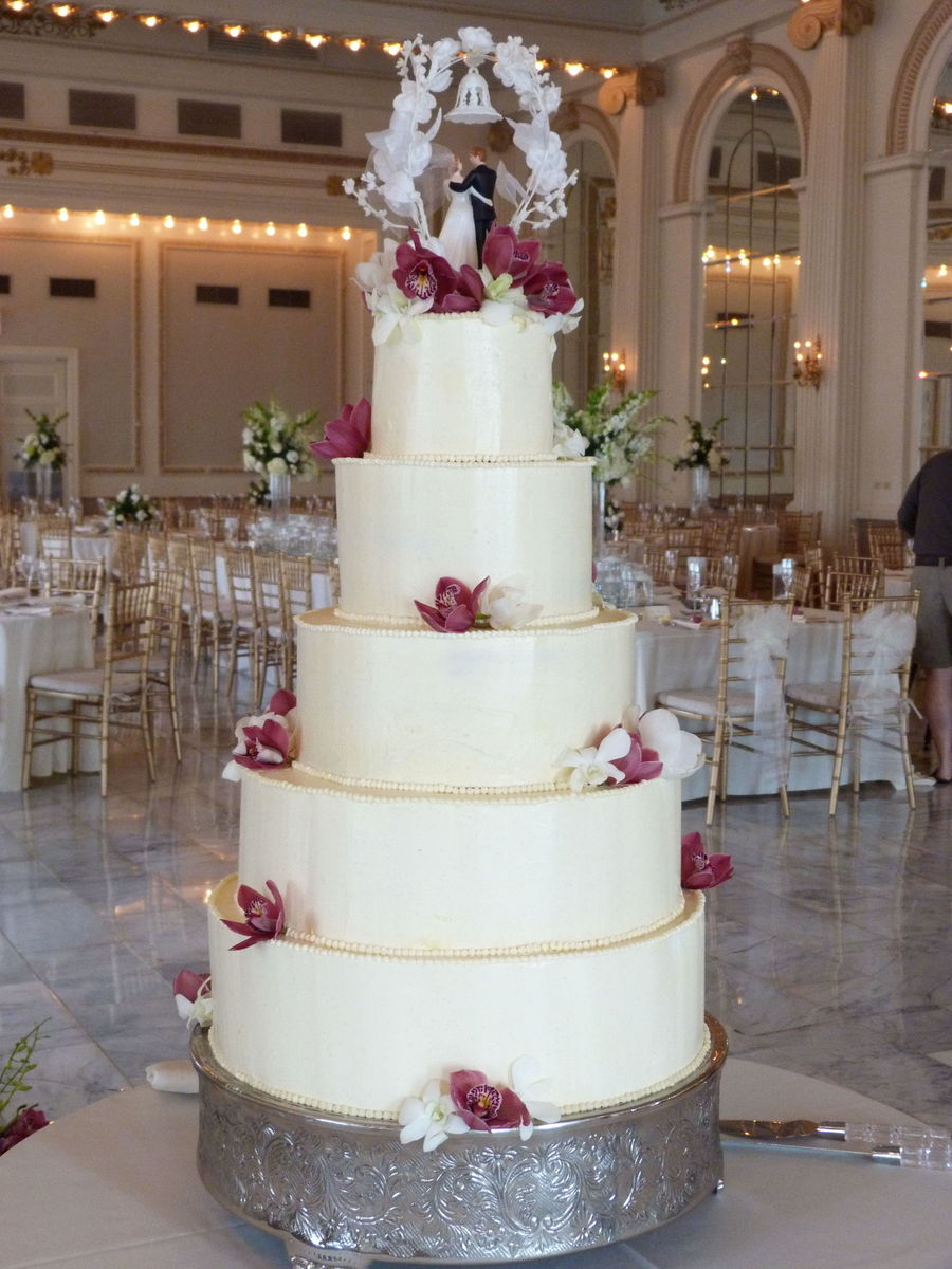 5 tiered wedding cake pictures buttercream and orchid wedding cake cakecentral 10458