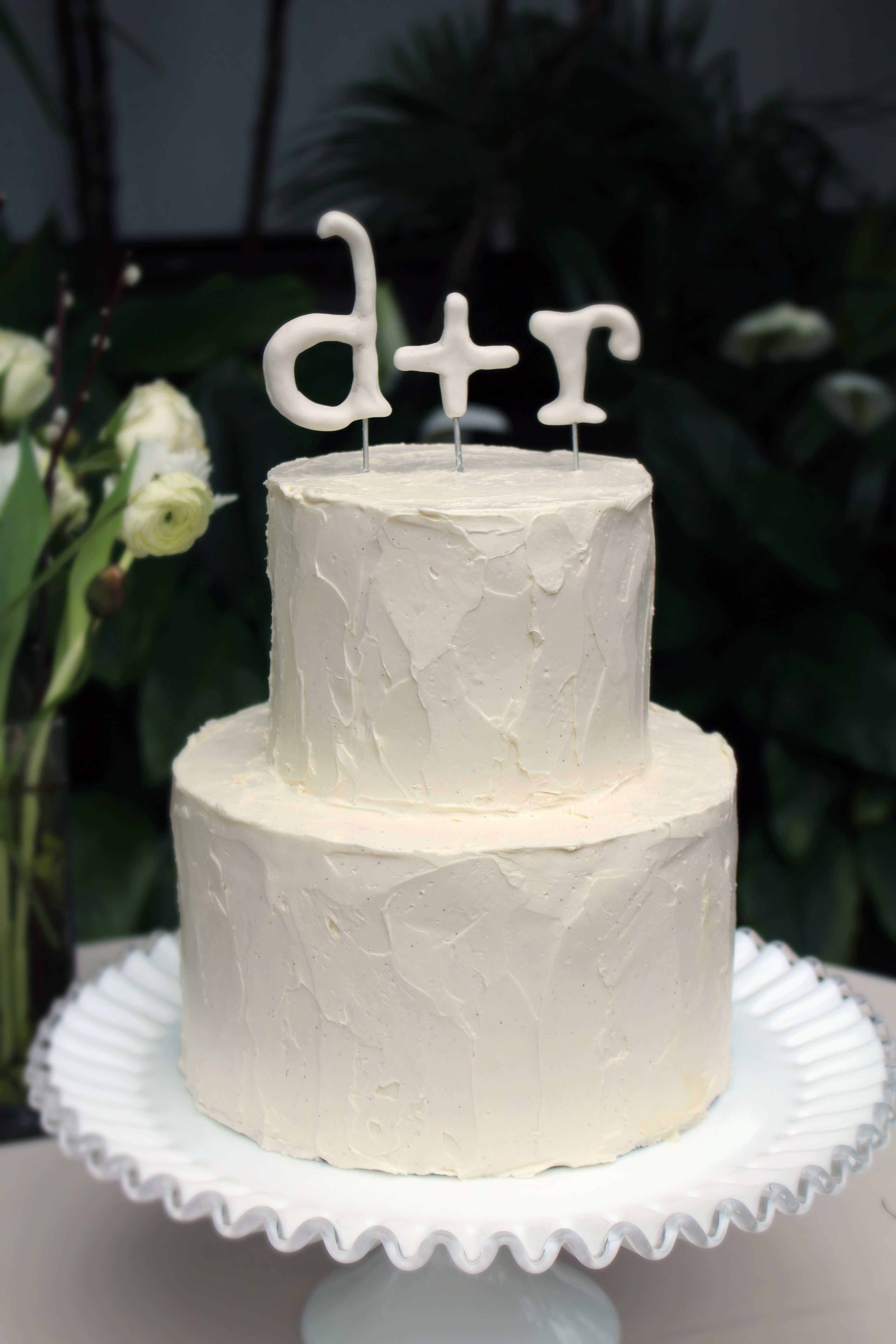 gumpaste wedding cake toppers clean and simple buttercream wedding cake with gum paste 15026