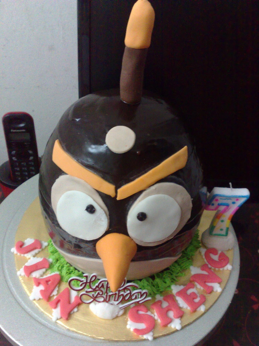 3D Angry Bird Cake on Cake Central