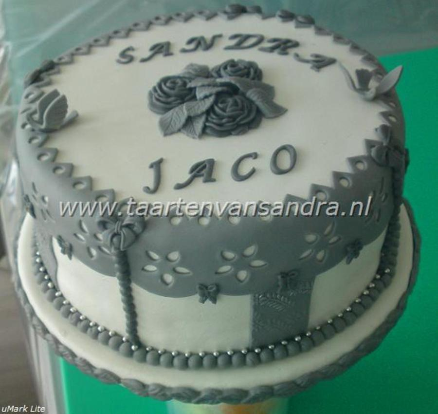 Grey And White on Cake Central
