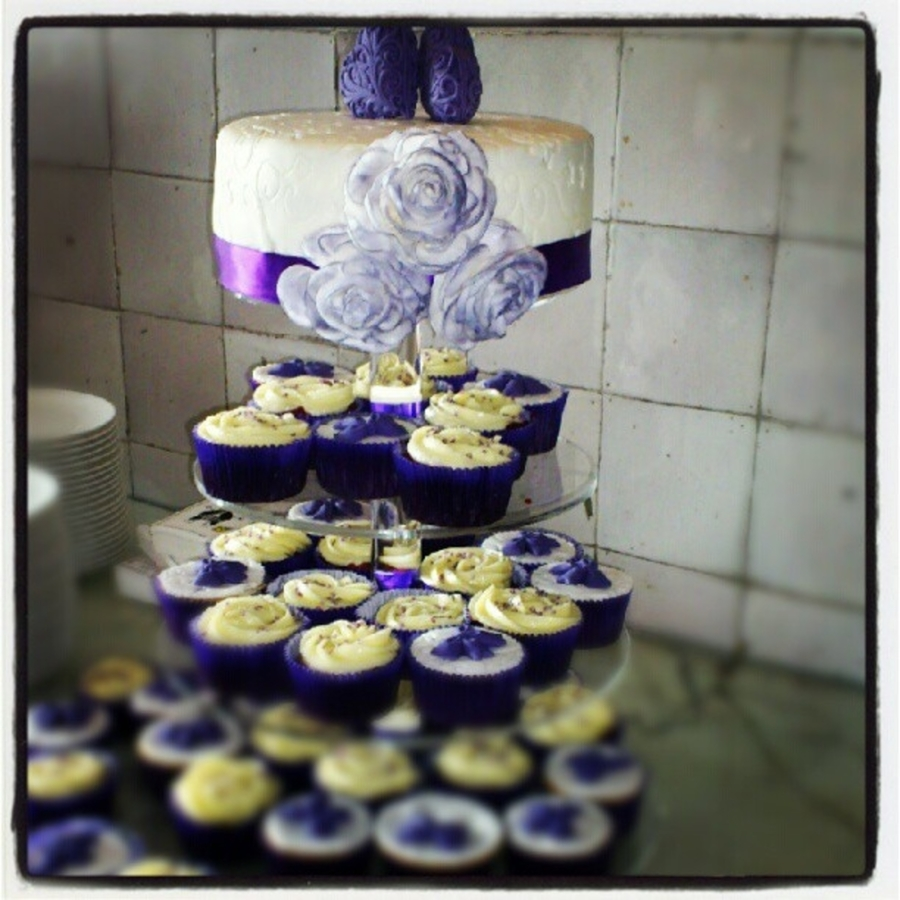 Weddingcake Purple Hearts And Flowers With Cupcakes on Cake Central