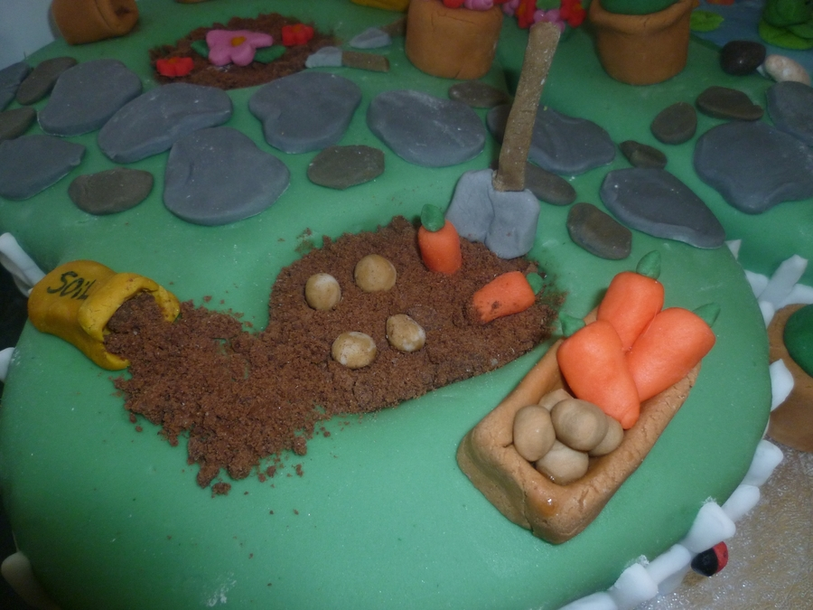 80th garden themed cake for Gardening 80th birthday cake