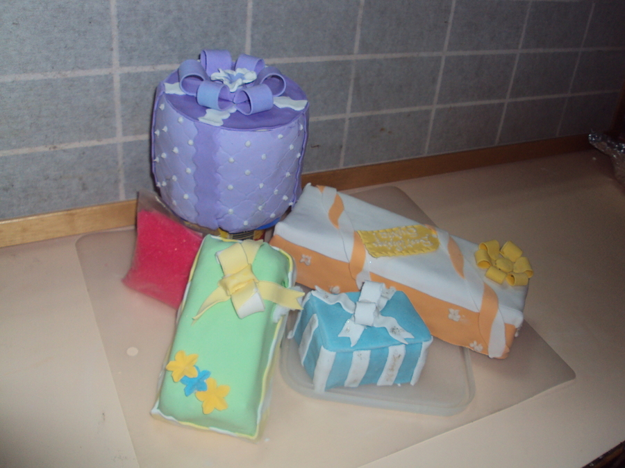 Birthday Gifts on Cake Central
