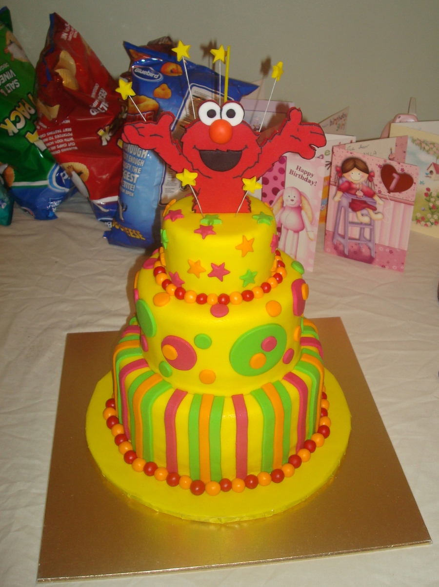 I Made This Cake For Makaylas 1st Birthday As She Just LOVES Elmo It Was Chocolate Banana Flavoured Covered In Buttercream Fondant