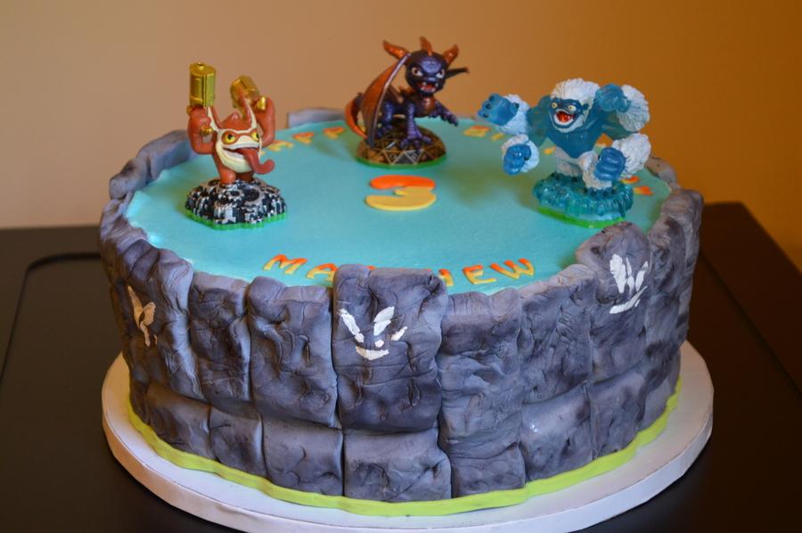 Skylanders 3rd Birthday Cake 10 Cake With Fondant Sides To