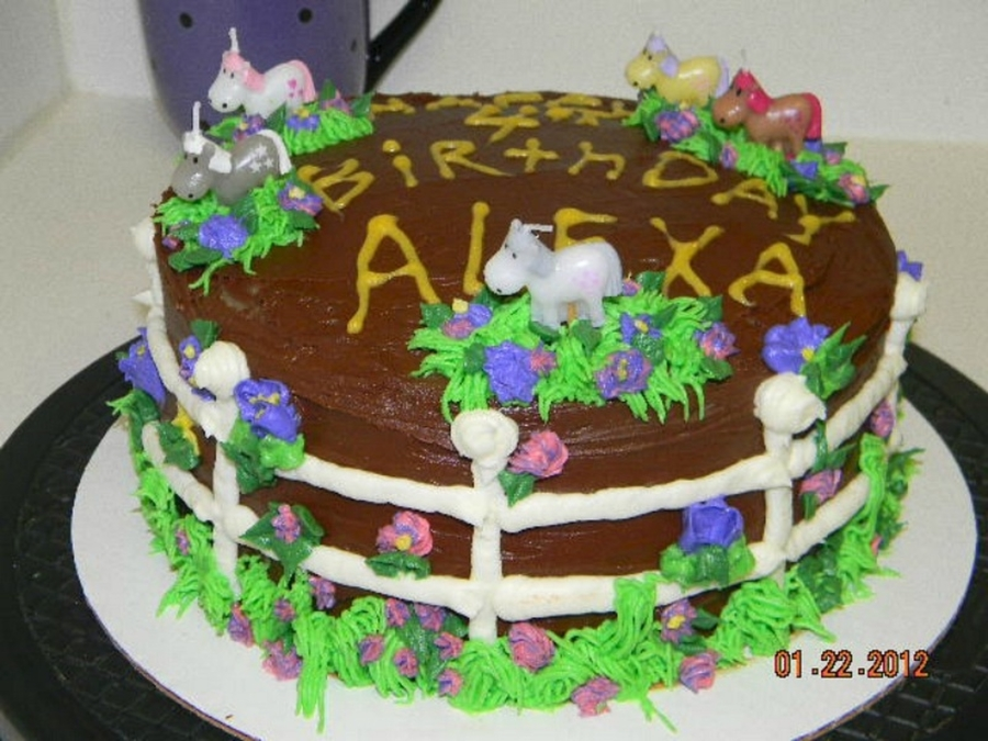 Images Of Cake For Niece : Horsey Cake For My Niece s 4Th Birthday - CakeCentral.com