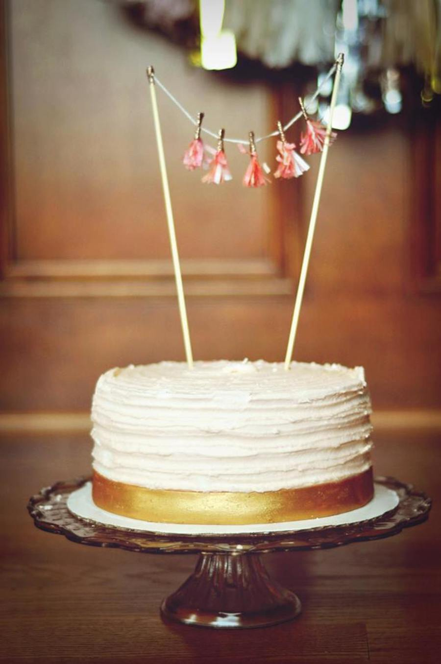 How To Use Fondant Icing On Cakes