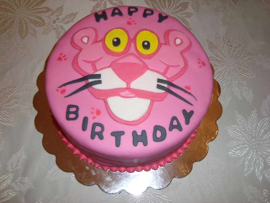 900_848765DdFk_pink-panther-birthday-cake-and-cupcakes.jpg