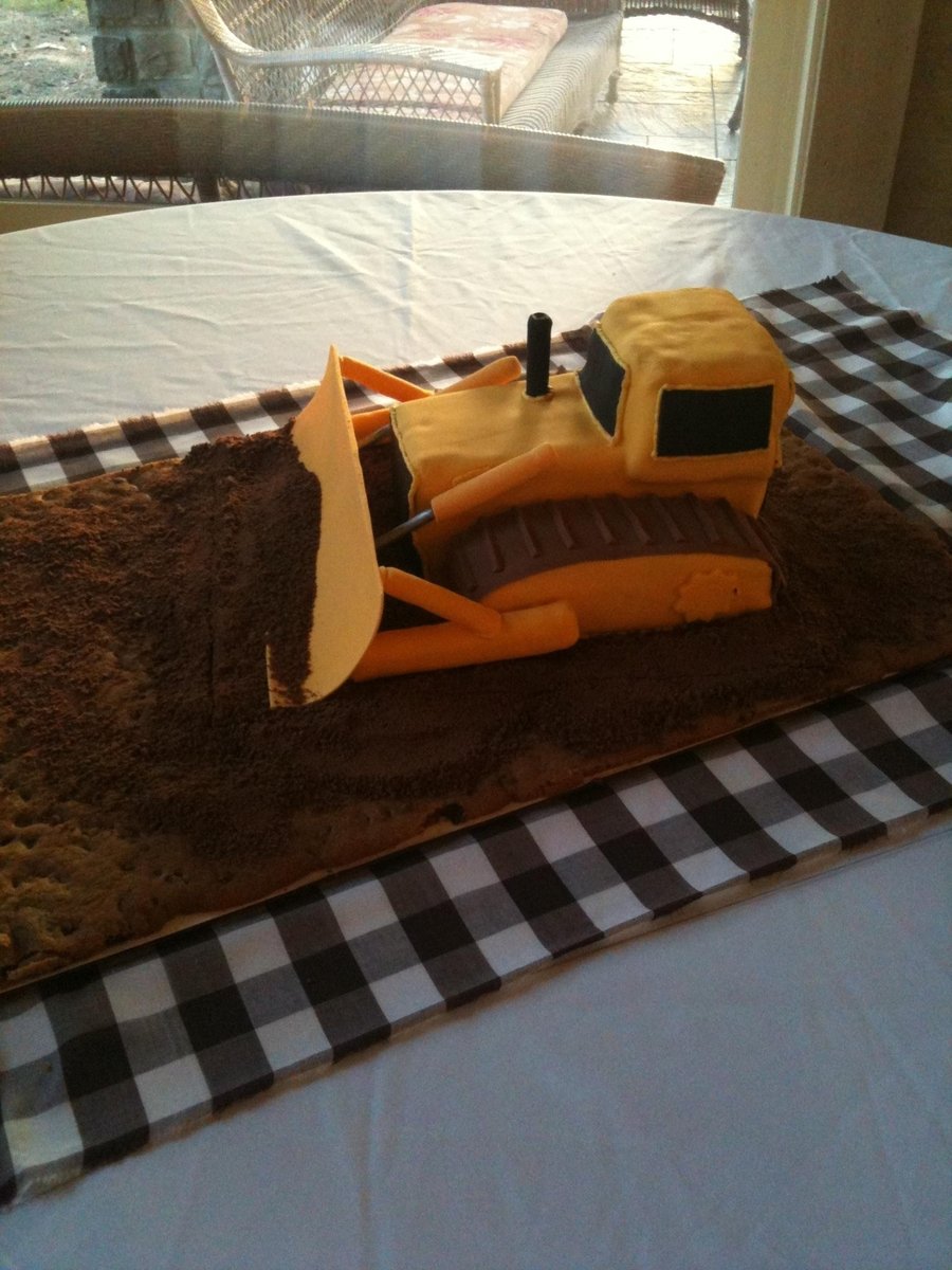 Cat Bulldozer Tractor Cake on Cake Central