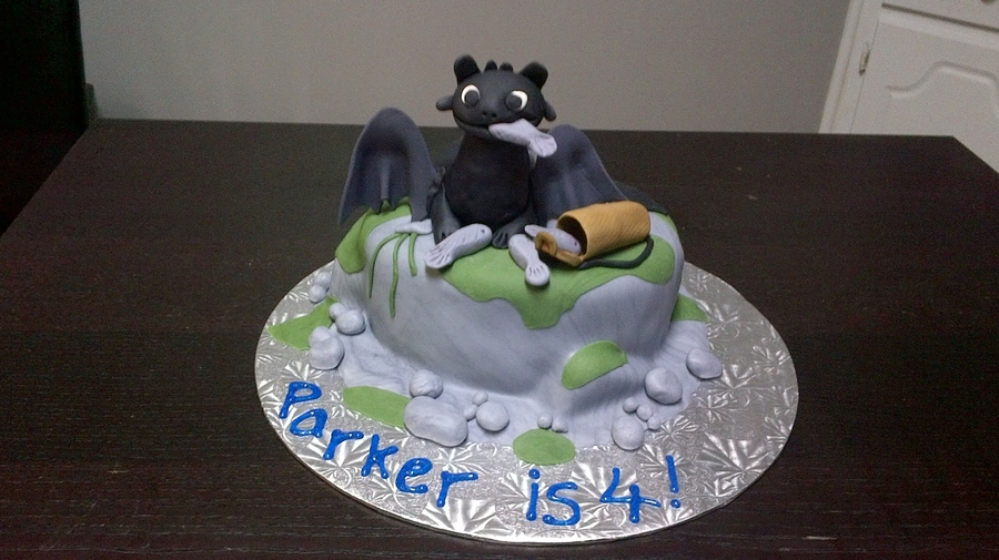 Toothless how to train your dragon cakecentral 4th birthday cake for my son parker toothless from how to train your dragon ccuart Choice Image