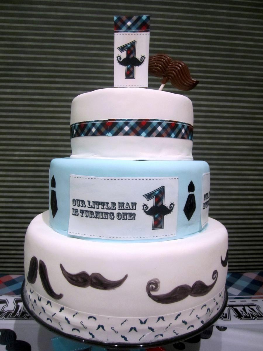 Prime Little Man 1St Birthday Cake Cakecentral Com Funny Birthday Cards Online Ioscodamsfinfo