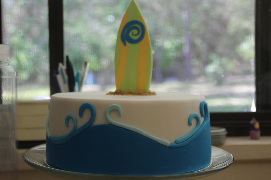 Surf Board on Cake Central