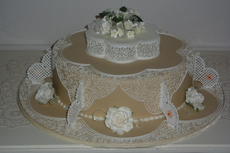 wedding cakes made with royal icing wedding cake filigree royal icing cakecentral 24966