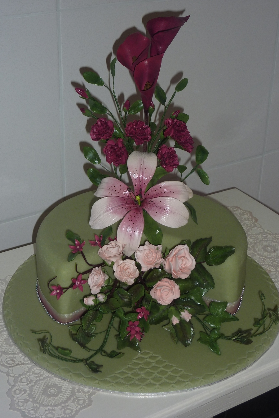 sugar flowers for wedding cakes wedding cake with sugar flowers cakecentral 20571