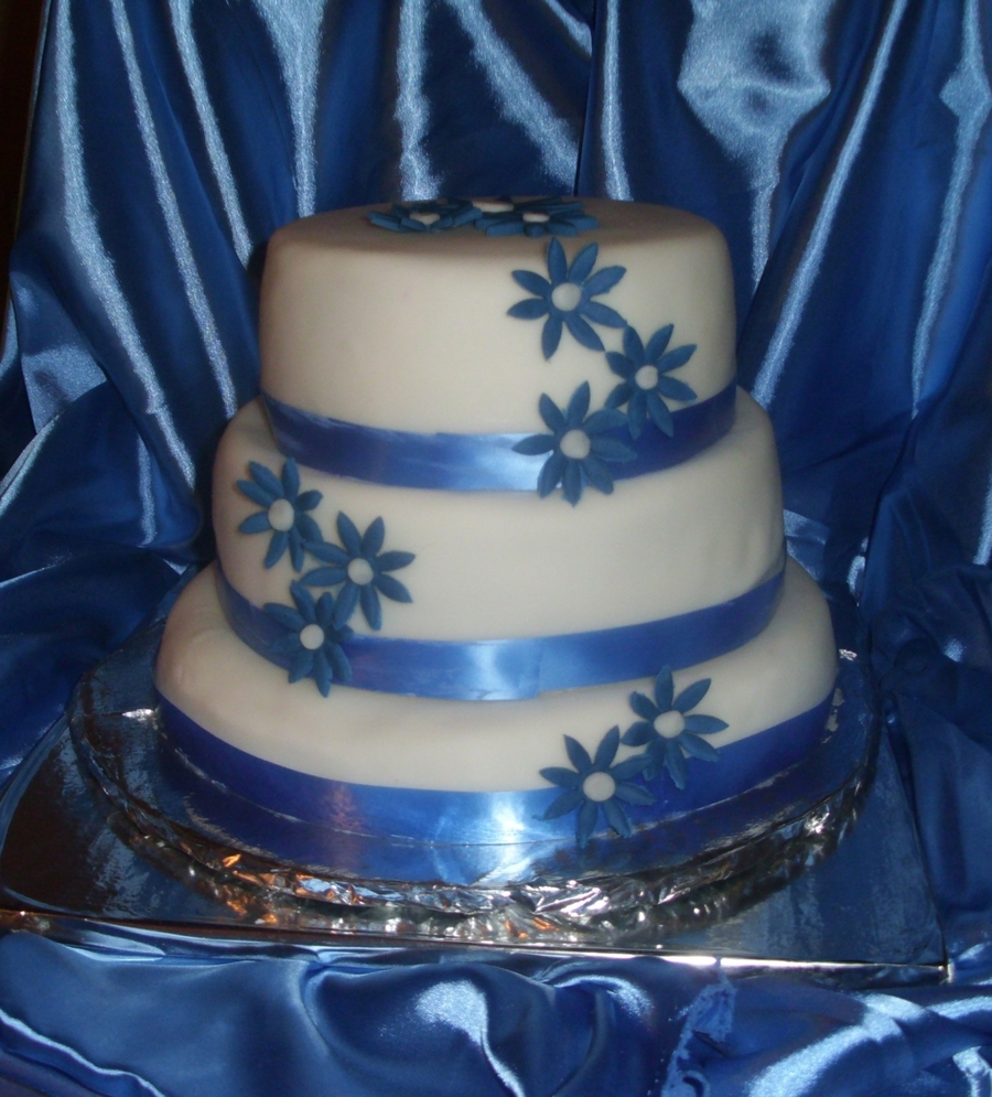 Blue Daisies Wedding Cake on Cake Central