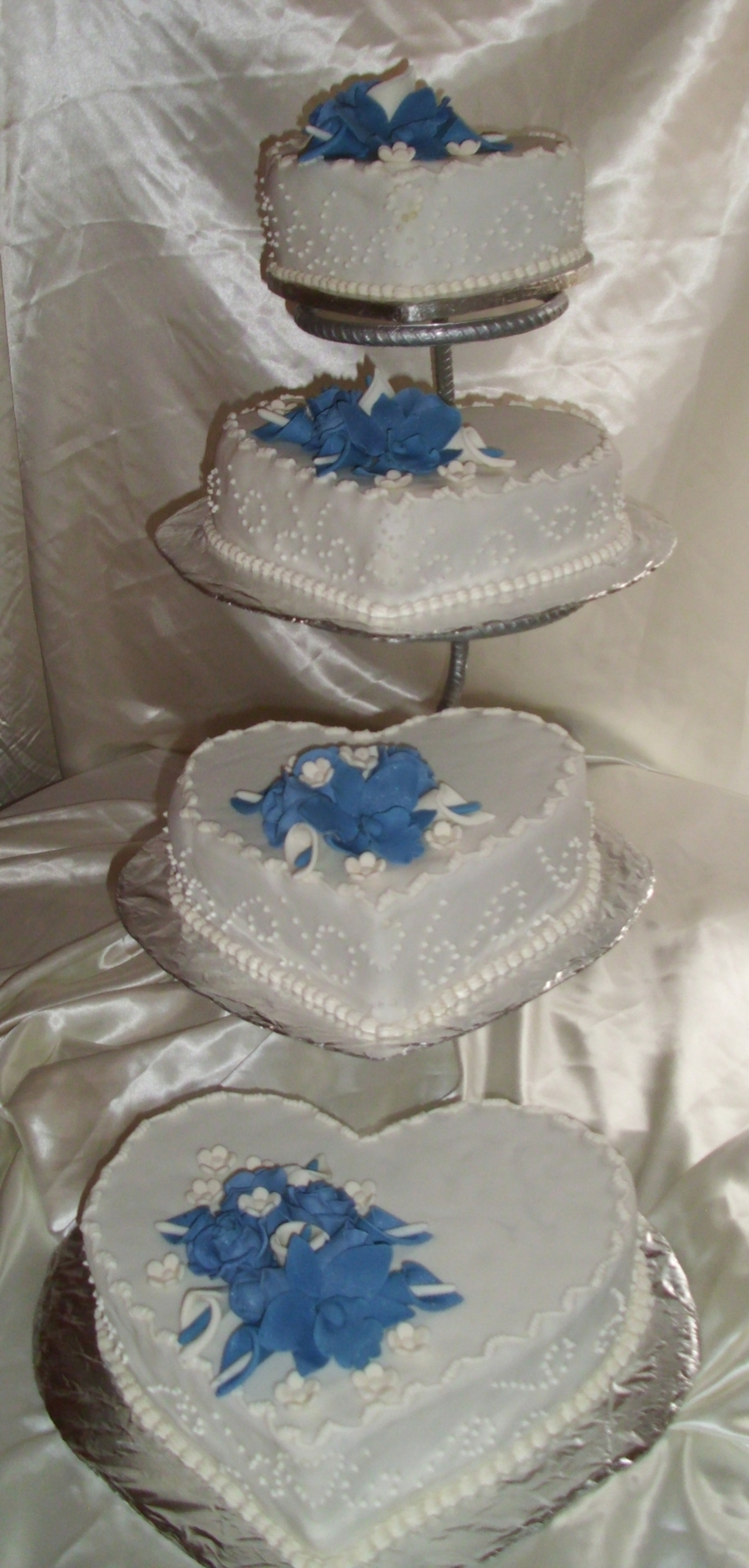 wedding cakes with hearts on them wedding cake cakecentral 26039