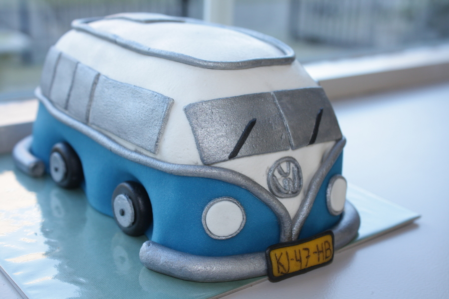 Volkswagen Van/bus on Cake Central