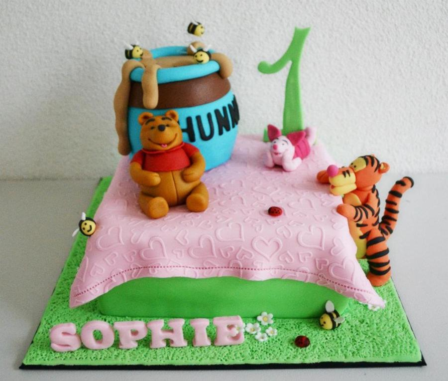 Pooh Picknick on Cake Central
