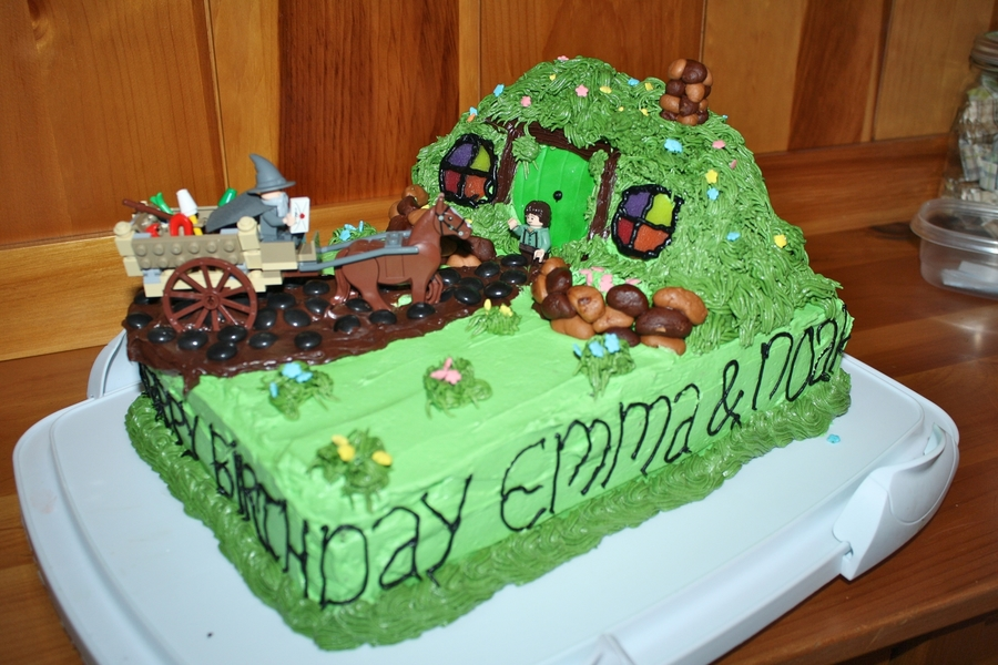 Lord Of The Rings / Hobbit Cake on Cake Central
