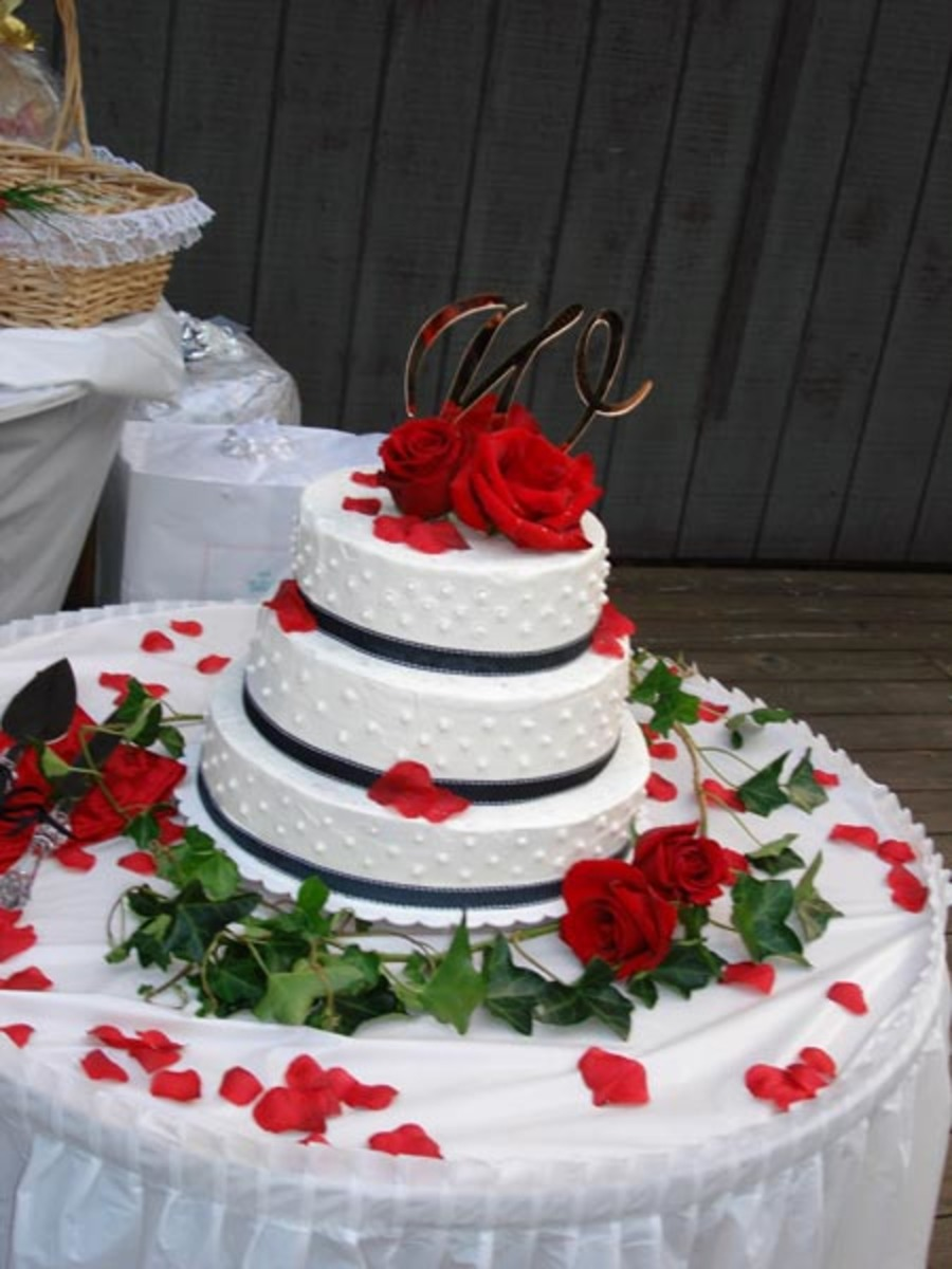 Red Rose Wedding Cake on Cake Central