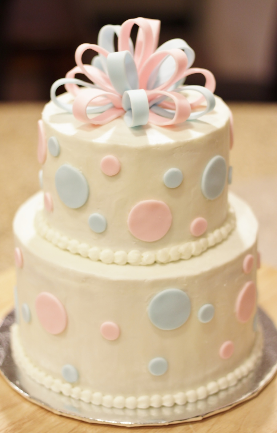 Fondant Decor On Buttercream Cake : Buttercream 6 And 8 Inch Cakes With Fondant Decorations ...
