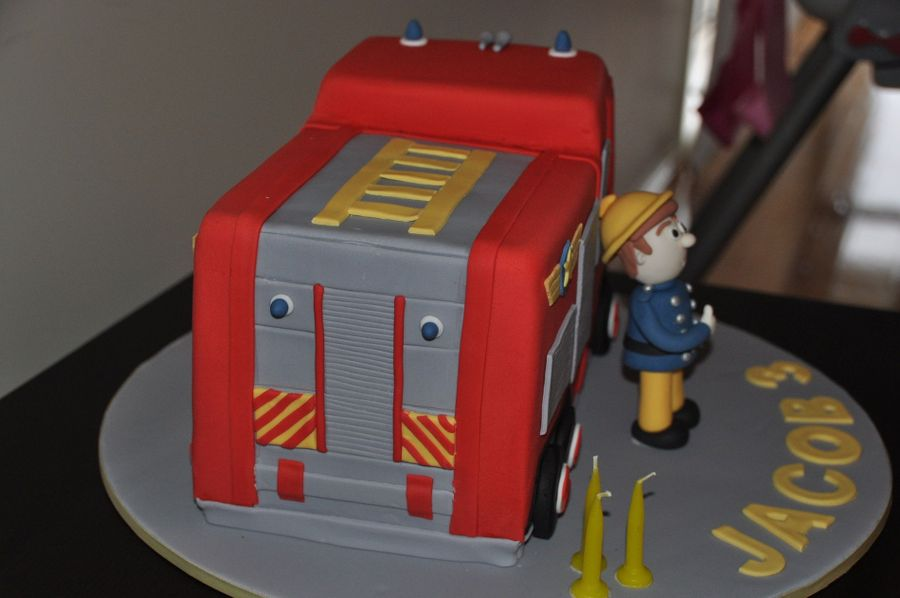 Fireman Sam And Fire Truck Cake Cakecentral Com