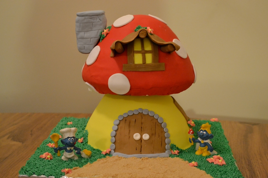 Smurfs House on Cake Central