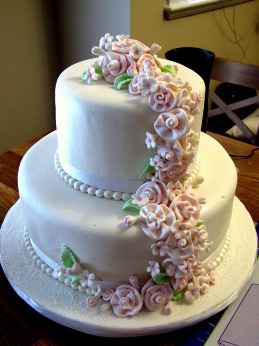 Wedding Cake Mini Cupcakes