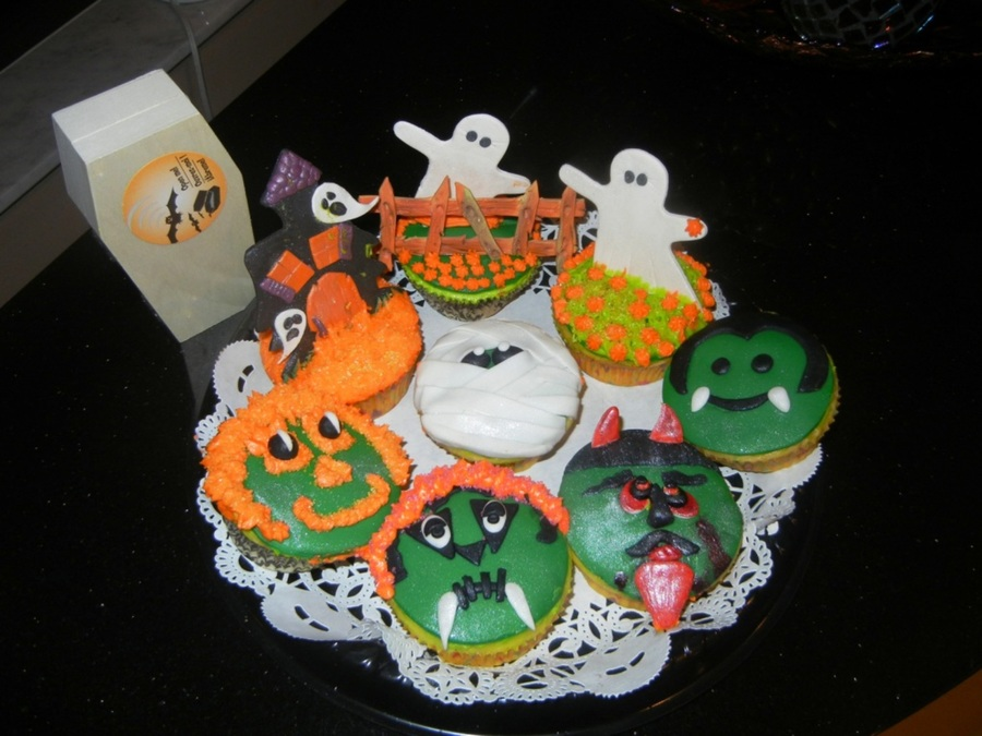 Spooktacular Cupcakes on Cake Central