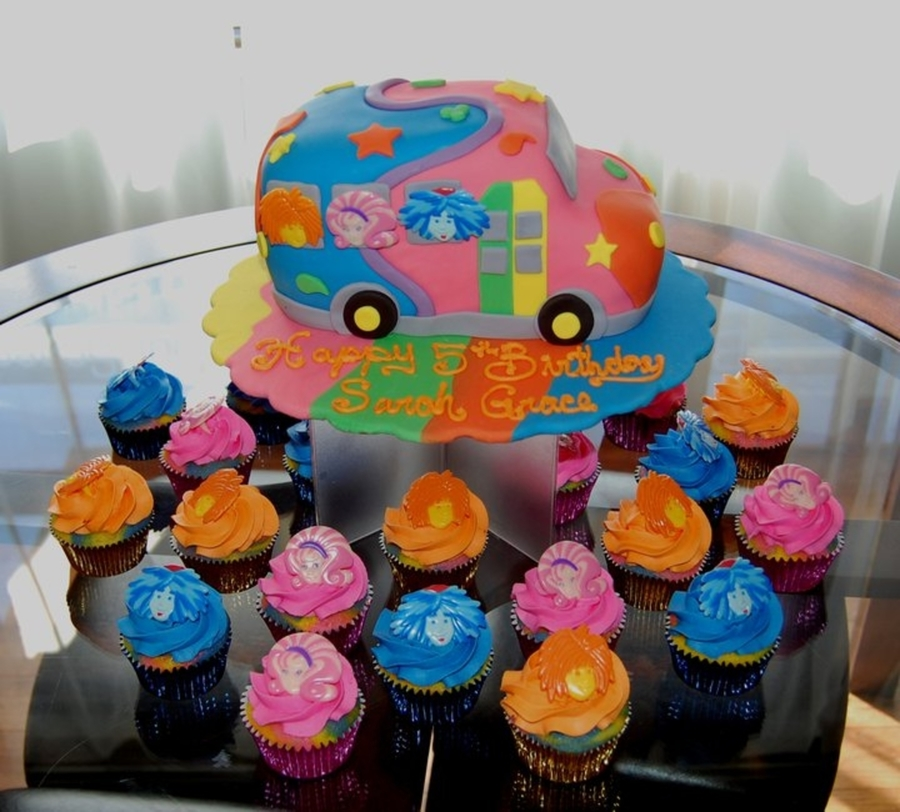 Doodlebops Bus And Cupcakes on Cake Central