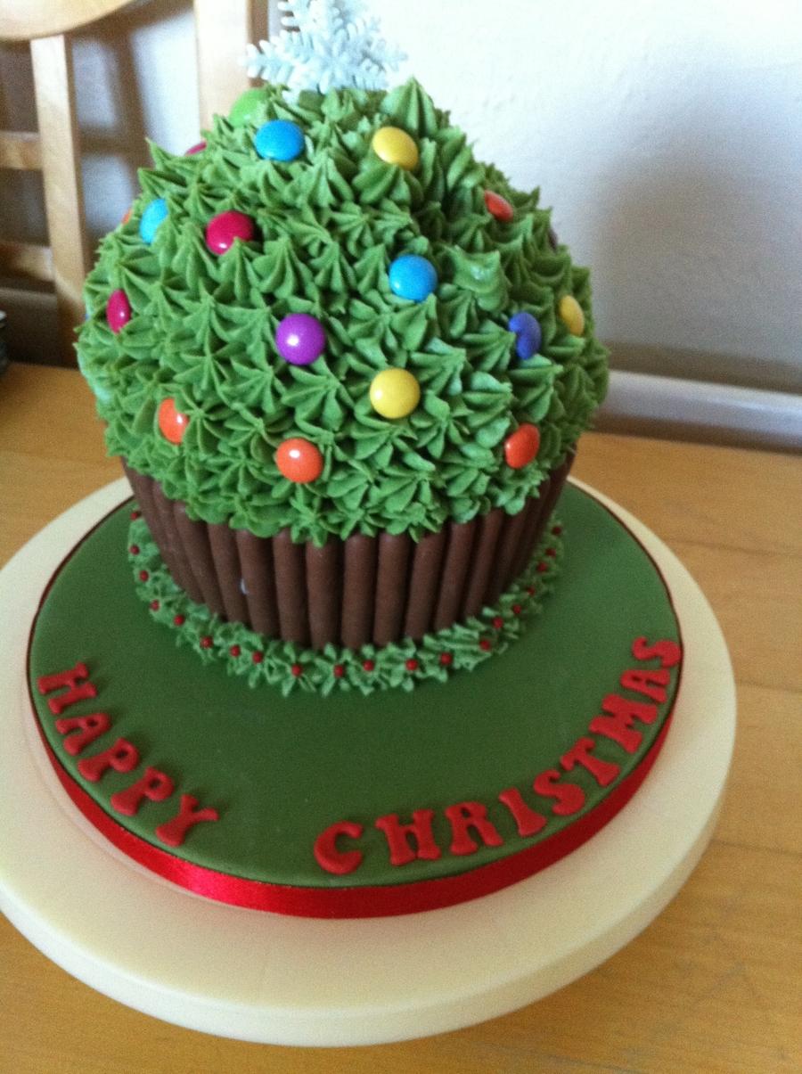 Giant Cupcake-Christmas Tree - CakeCentral.com