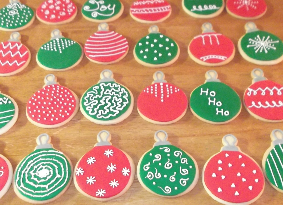 Ornaments on Cake Central