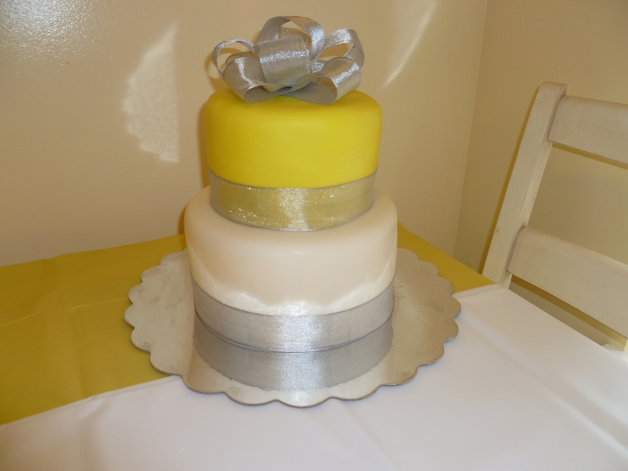 Yellow Silver White Baby Shower Cakecentral Com