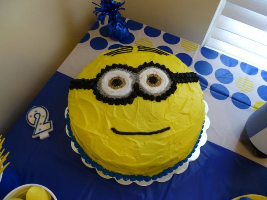 my daughter 39 s 2nd birthday party theme was despicable me the cake was