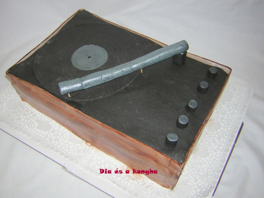 Turntable Cake on Cake Central