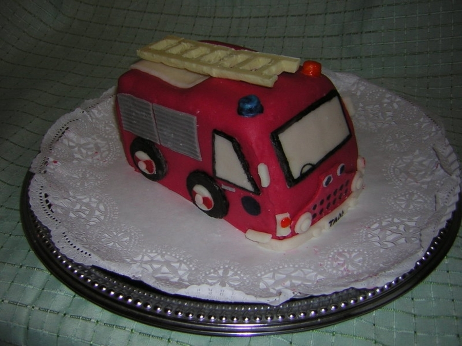 Fire Engine Cake on Cake Central