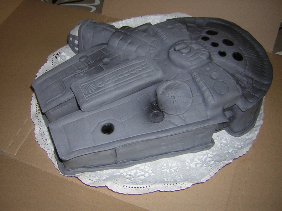 Millennium Falcon Cake on Cake Central