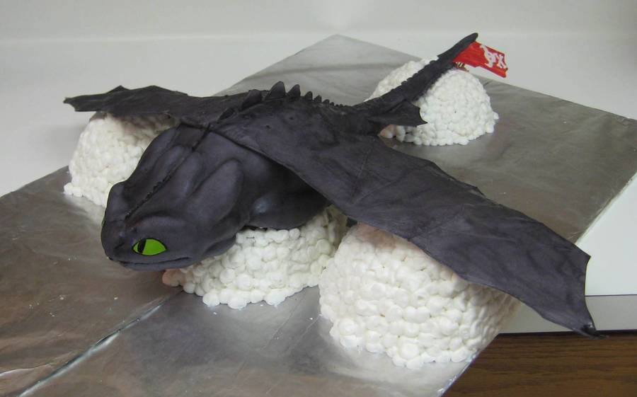 Toothless From How To Train Your Dragon  on Cake Central