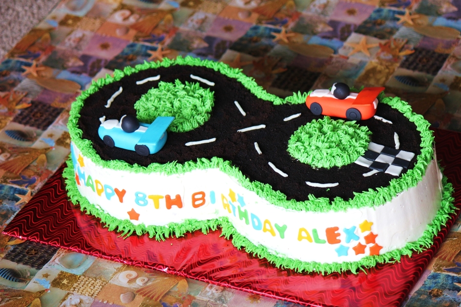 Awesome Birthday Cake For A Kid Turning 8 Cakecentral Com Funny Birthday Cards Online Eattedamsfinfo