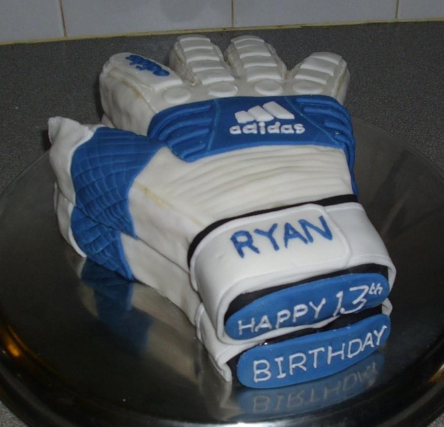 Goalkeeper S Gloves Cake Cakecentral Com