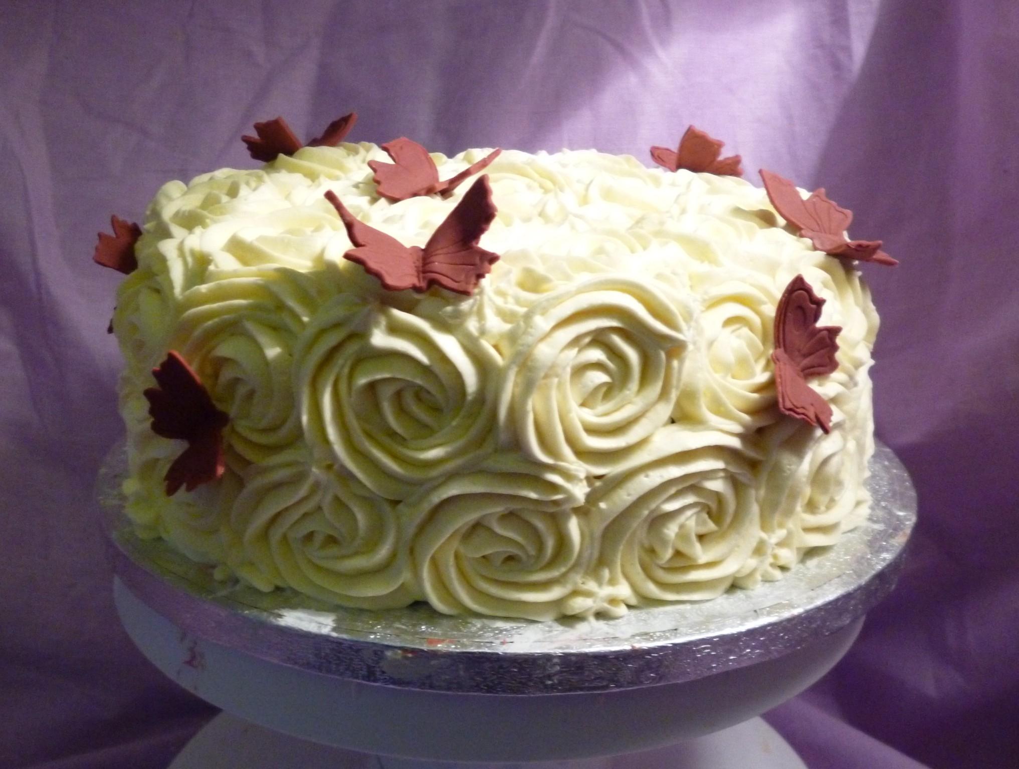 Buttercream Roses Birthday Cake - CakeCentral.com