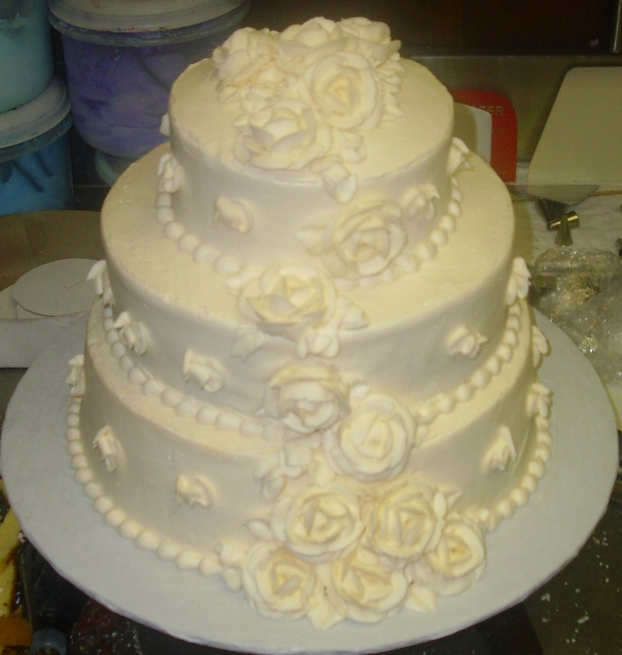 Cascading Ivory Roses on Cake Central