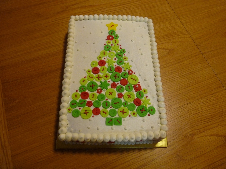 Button Christmas Tree  on Cake Central