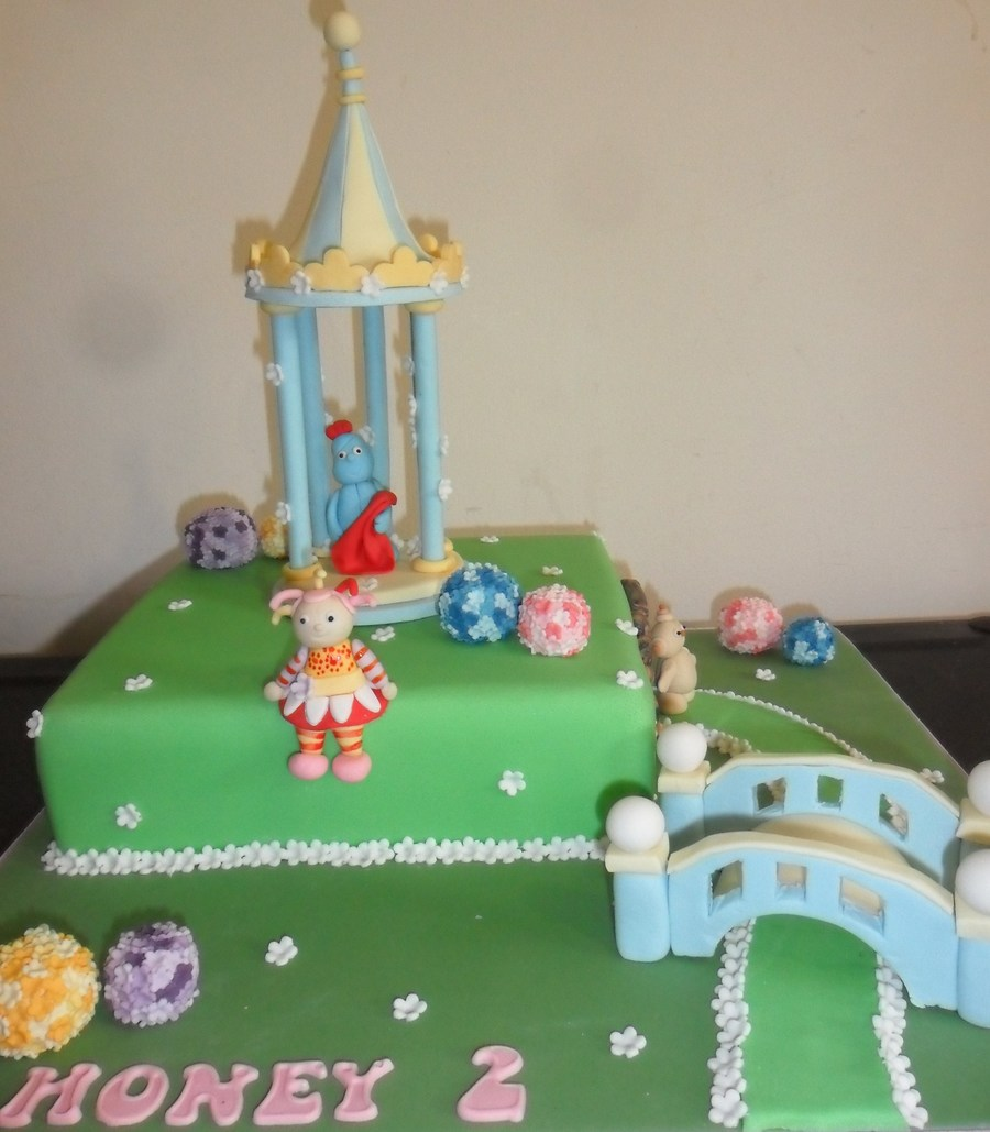 In The Night Garden - CakeCentral.com